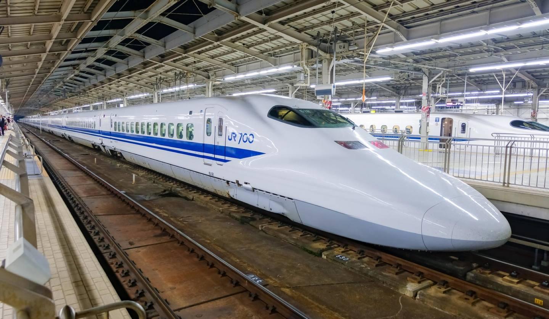 新大阪駅のN700系新幹線