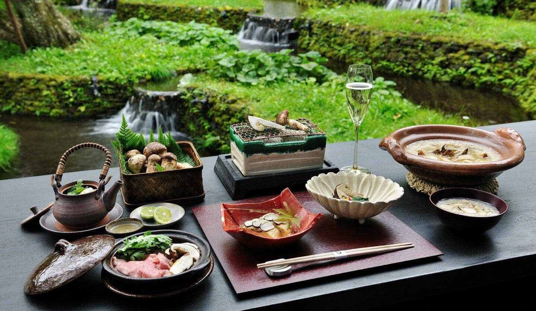 星のや軽井沢「松茸とシャンパーニュを堪能する優雅なひととき」