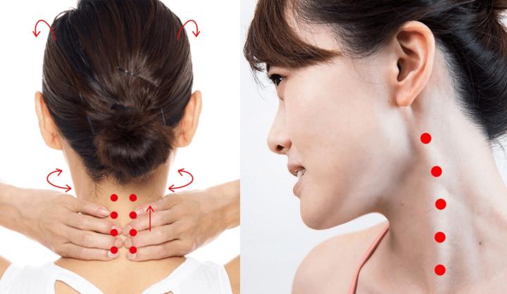 首をマッサージする女性