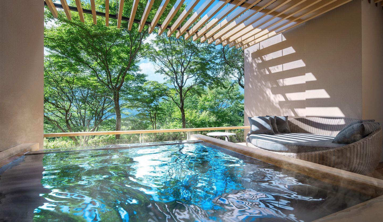界 仙石原 客室に備え付けの露天風呂