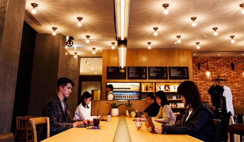 TWIN-LINE HOTEL KARUIZAWA JAPANで働いている男女
