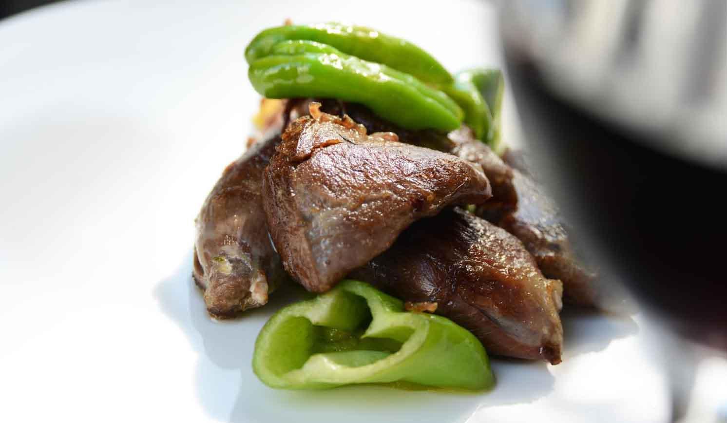 牛フィレ肉のソテーと夏野菜のグリル