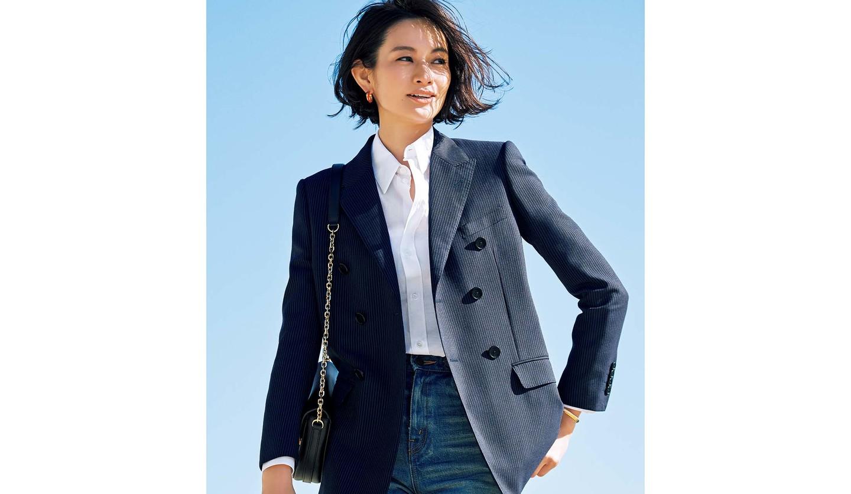 セリーヌのネイビーのジャケットとウォッシュドデニム