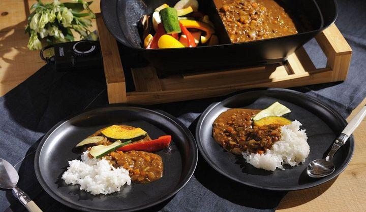 真っ白なテーブルグリル「Tabel Grill Pure」、6つの調理をマルチにこなす「Table Fondue & Fry Pure」で人気を博すオランダの家電ブランド「PRINCESS」が、2種類の料理を同時に調理できる最新作「Separate Pot Pure & Black」を発売!