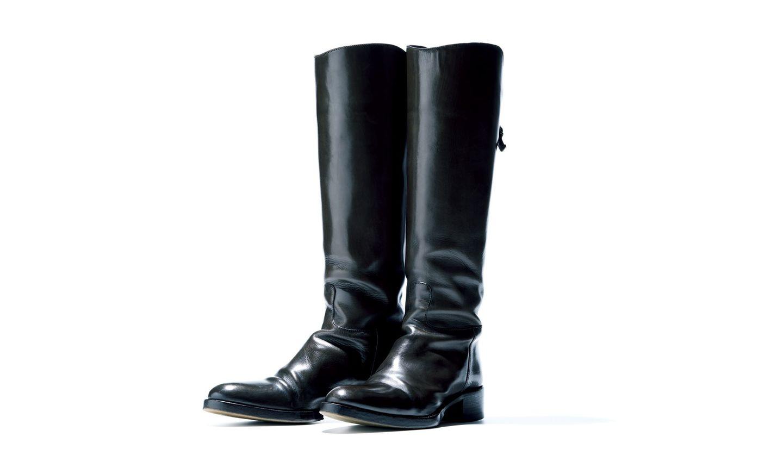 修理専門店「スピカ」にてメンテナンスされた、5年前に購入した取材スタッフの私物ブーツ