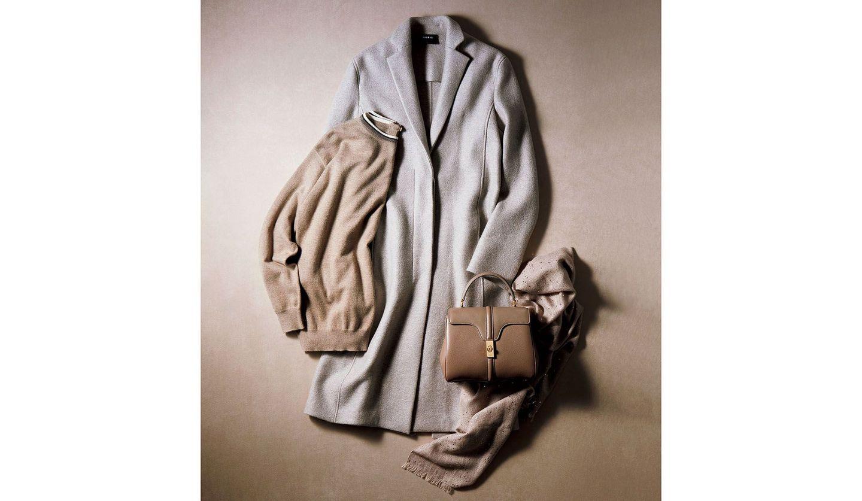 アクリスのカシミヤコート、ブルネロ クチネリのニット&ストール、セリーヌのワンハンドルバッグ