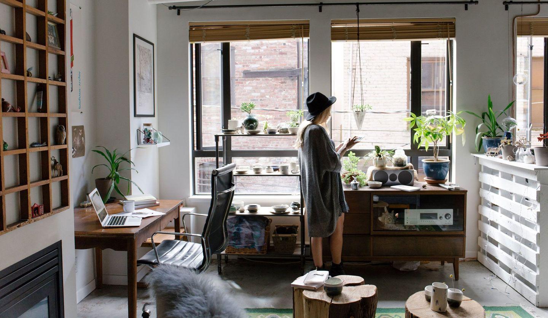 女性の部屋の画像