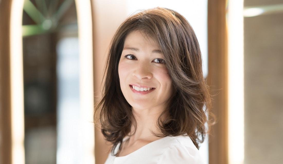 MINXのエグゼクティブディレクター・菅野久幸さんが手がけるミディアムヘア