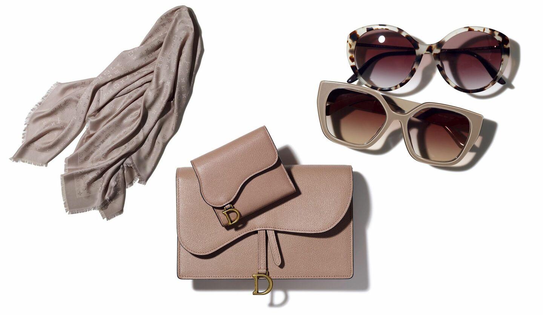 「ルイ・ヴィトン」のシルクウールストール、「プラダ」のサングラス、「ディオール」のお財布