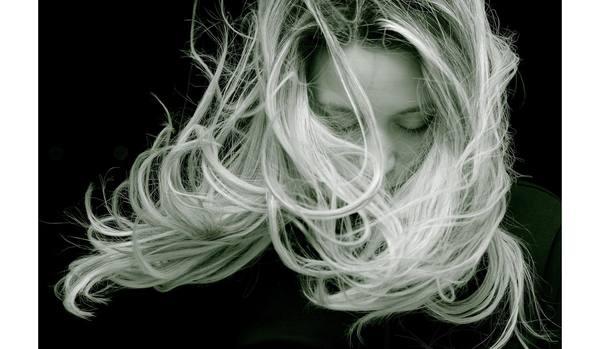 若々しさの鍵は「頭皮の厚さ」だった!乾燥する冬こそ心がけたい頭皮の保湿