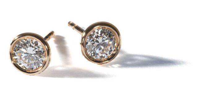 ティファニーのダイヤモンドピアス