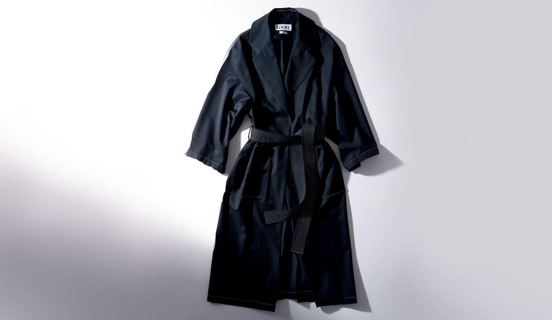 ロエベのブラックコート