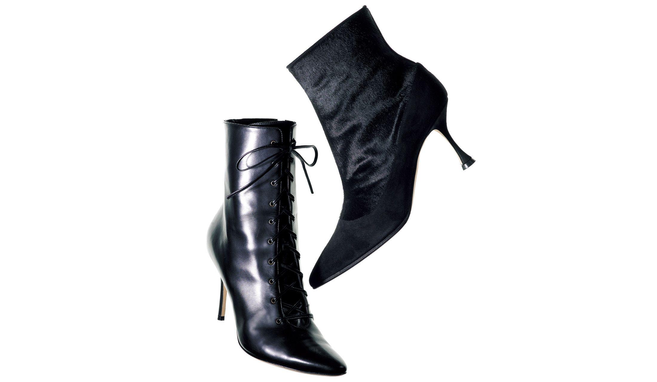 マノロ ブラニクの黒ブーツ