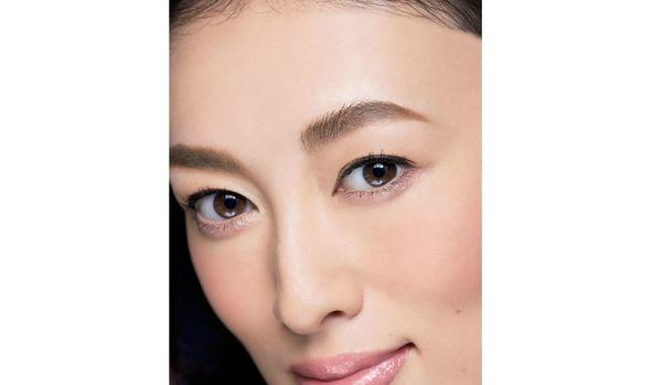 眉メイクひとつで劇的に若返る!残念な眉の直し方&美人眉の描き方