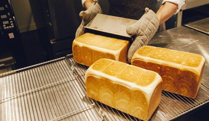 高級食パン専門店「明日が楽しみすぎて」のパンの画像