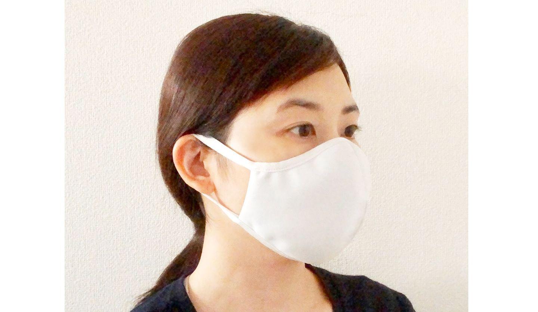 神戸洋靴店の「洗濯できるマスク」着用イメージ