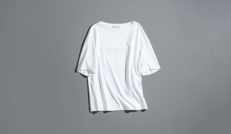 アニオナの白Tシャツ