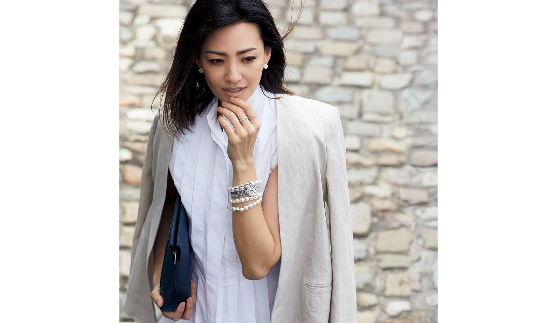 ブレゲの時計を身に着けた女性の写真
