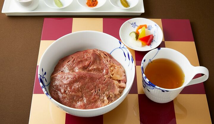 1杯5,000円以上!話題の高級牛丼「キャピトル牛丼」とは?牛丼の歴史とワンランク上の牛丼が食べられる東京・大阪のレストランを厳選