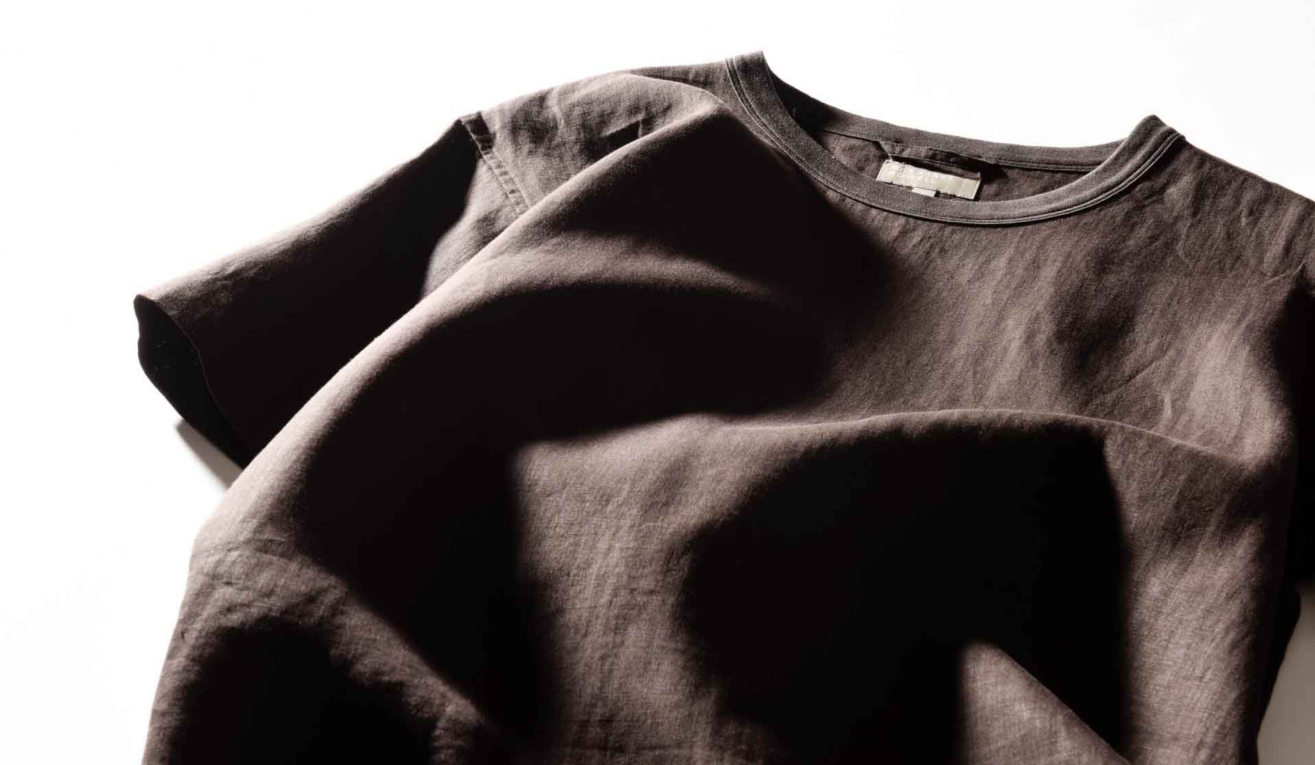 マーガレット・ハウエルのリネンTシャツ