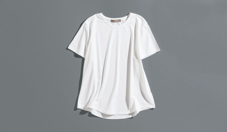 クルチアーニの白Tシャツ