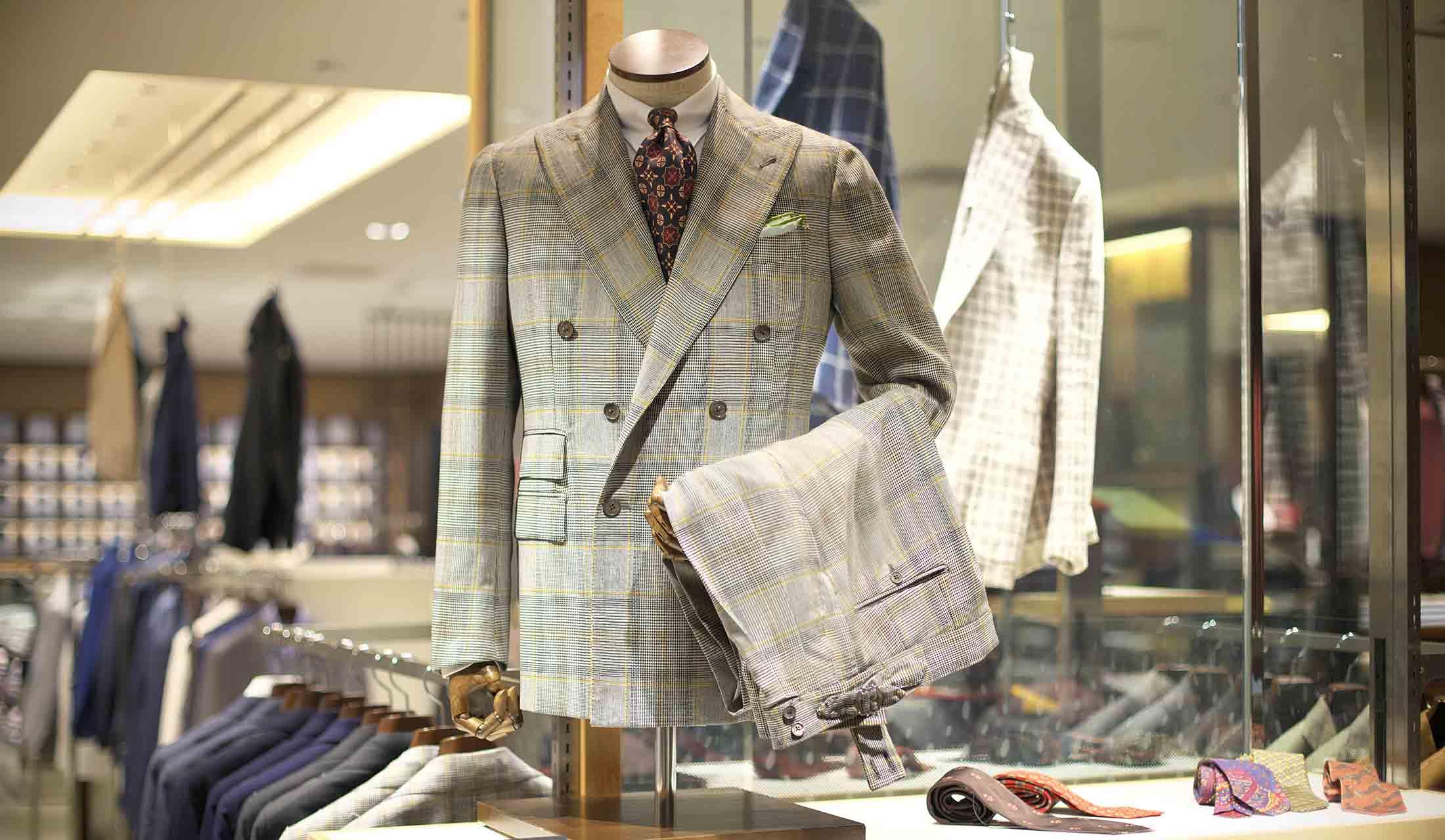 ルカ グラシアのスーツ