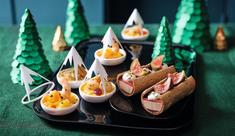 冷凍食品専門店Picard2019年新作クリスマス商品。モンターニュ(3種類のシーフードアペリティフ)そば粉のビスケットにのせて