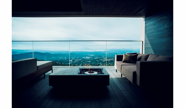 「星野リゾート 界 霧島」の客室棟ビューテラス