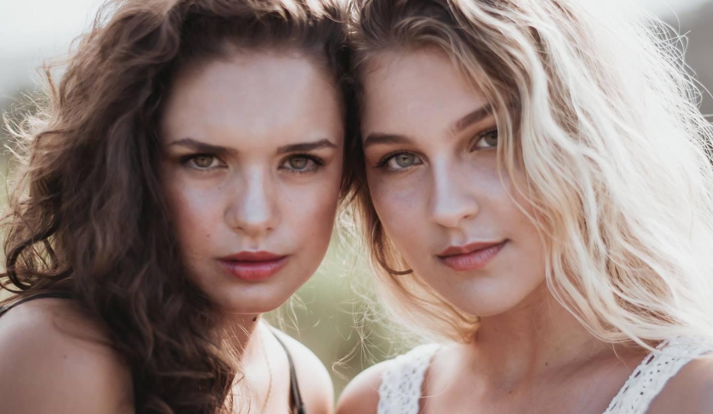 女性二人のUPの顔