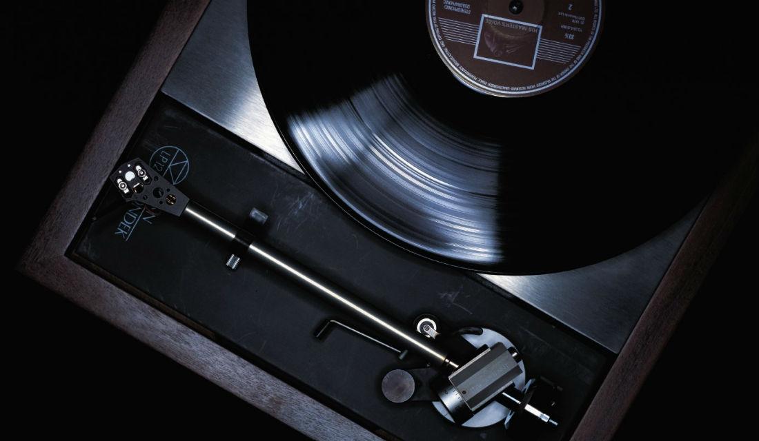 リンのターンテーブル『LP12』