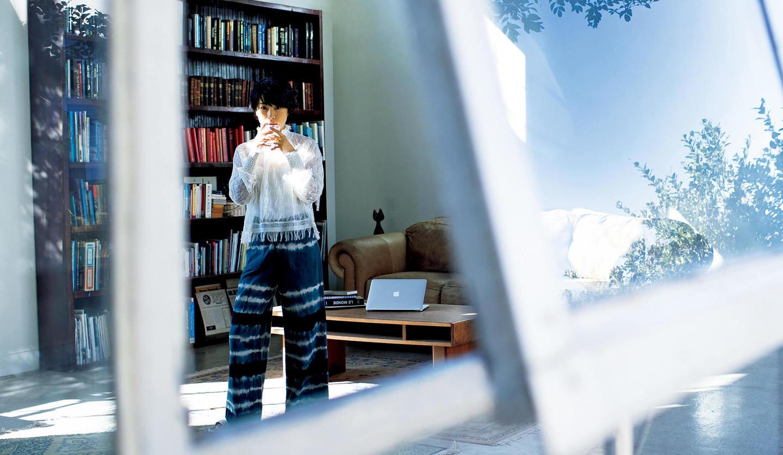 西田尚美さんが着こなす、朝時間を過ごすコーディネート