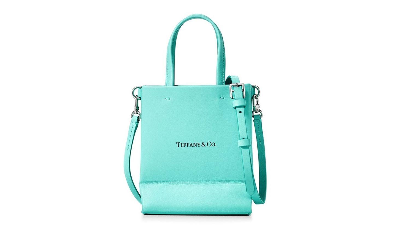 ティファニーから発売した、日本限定のエレガントな新作レザーバッグ