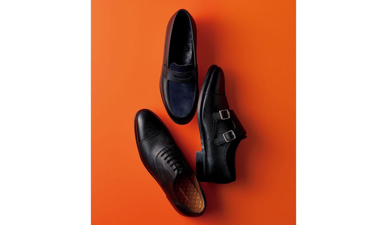 ジョン ロブの3つのマニッシュ靴、上からローファー、ダブルモンクストラップ、レースアップ