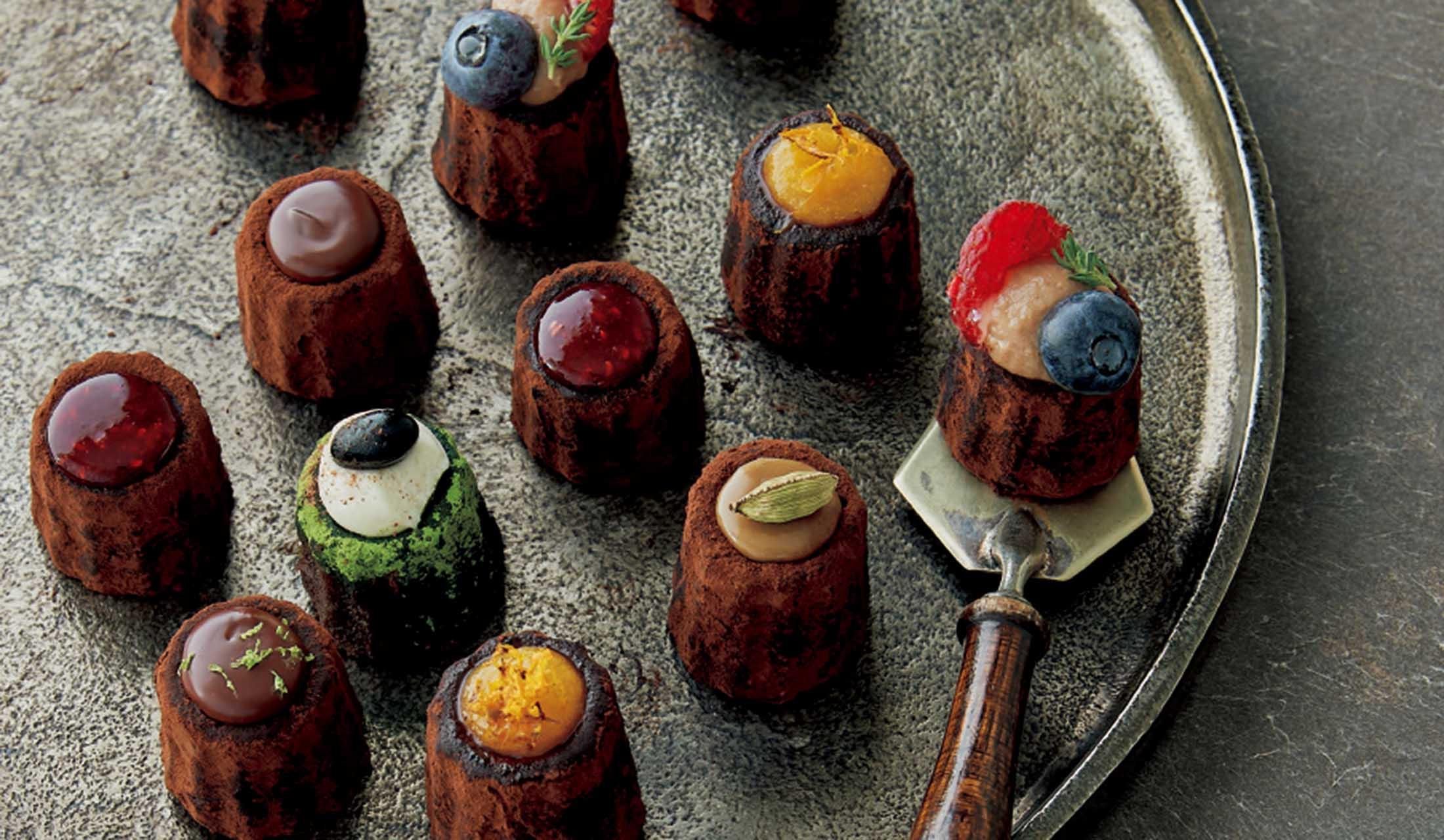ハイカカオ チョコレート スタンドのチョコカヌレフォンダン