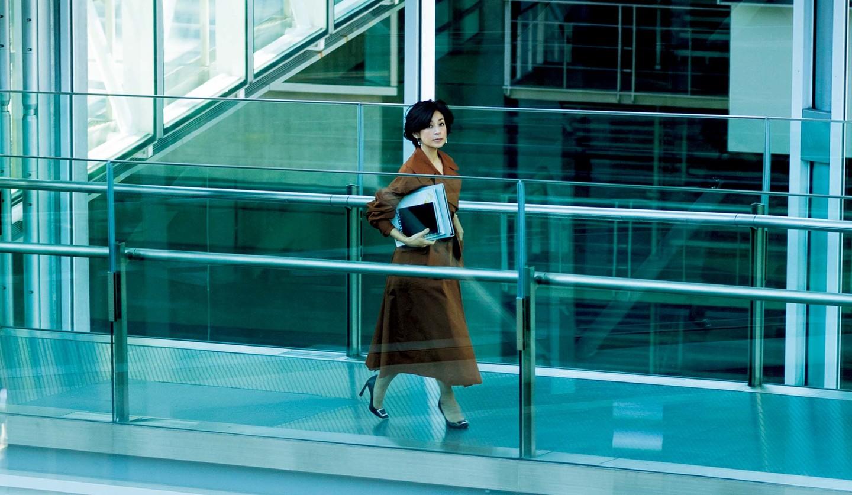 鈴木保奈美さん演じる「幸村チカ」の3月31日(火)のコーディネート