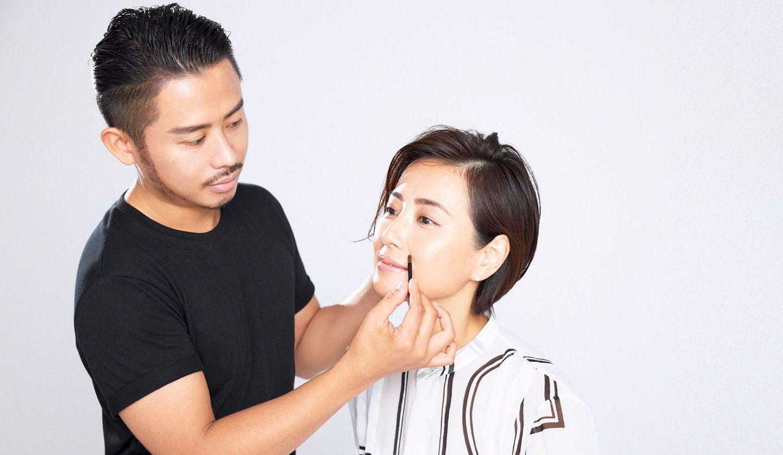 小田切ヒロさんがモデル真樹麗子さんにメイク