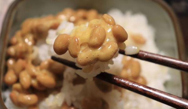 組み合わせるだけで悪魔の食べ物に!ネットで話題の「ご飯が止まらない納豆の食べ方」10選