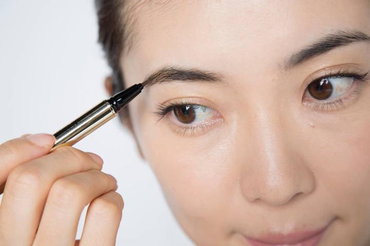 大人女性の眉メイクステップ