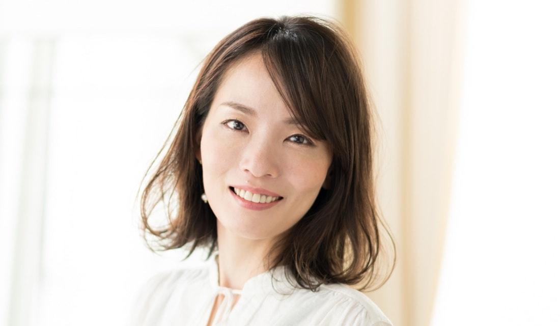 容室・joemi by Un ami店長の高橋和人さんが手がけたミディアムヘアの女性