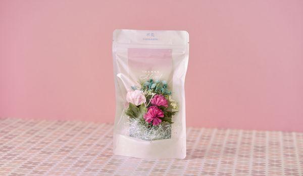 離れて暮らす母親がもらって「本当にうれしい」ギフトとは?「再配達いらずのお花」でした