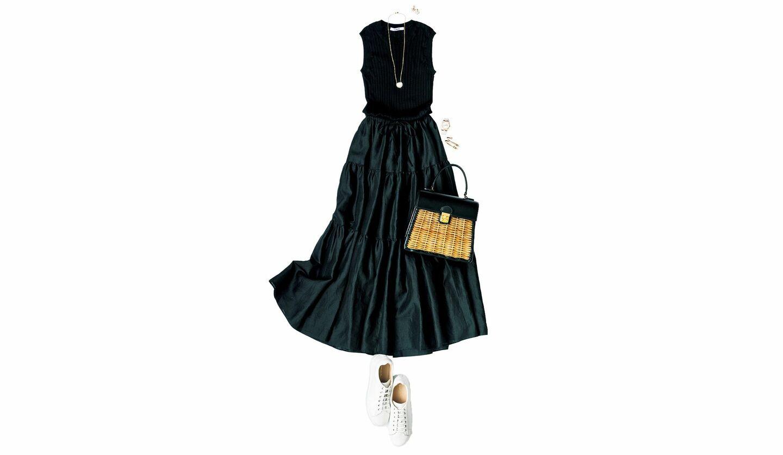 スローンのプルオーバーとストラスブルゴのスカートの黒コーデ