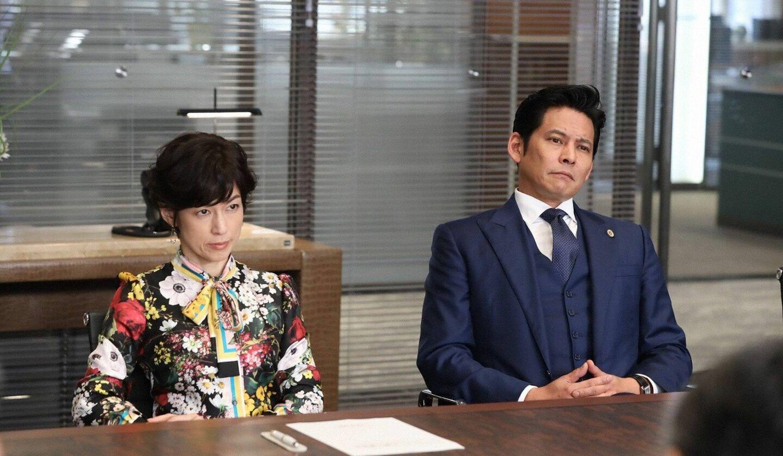 『SUITS/スーツ2』第10話の鈴木保奈美さんと織田裕二さん