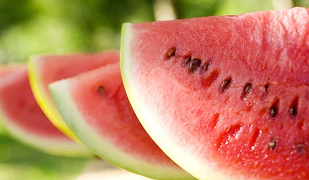 夏の風物詩【高級スイカギフト12選】選び方や美味しい食べ方、豪華なスイカギフト&スイーツのおすすめを厳選