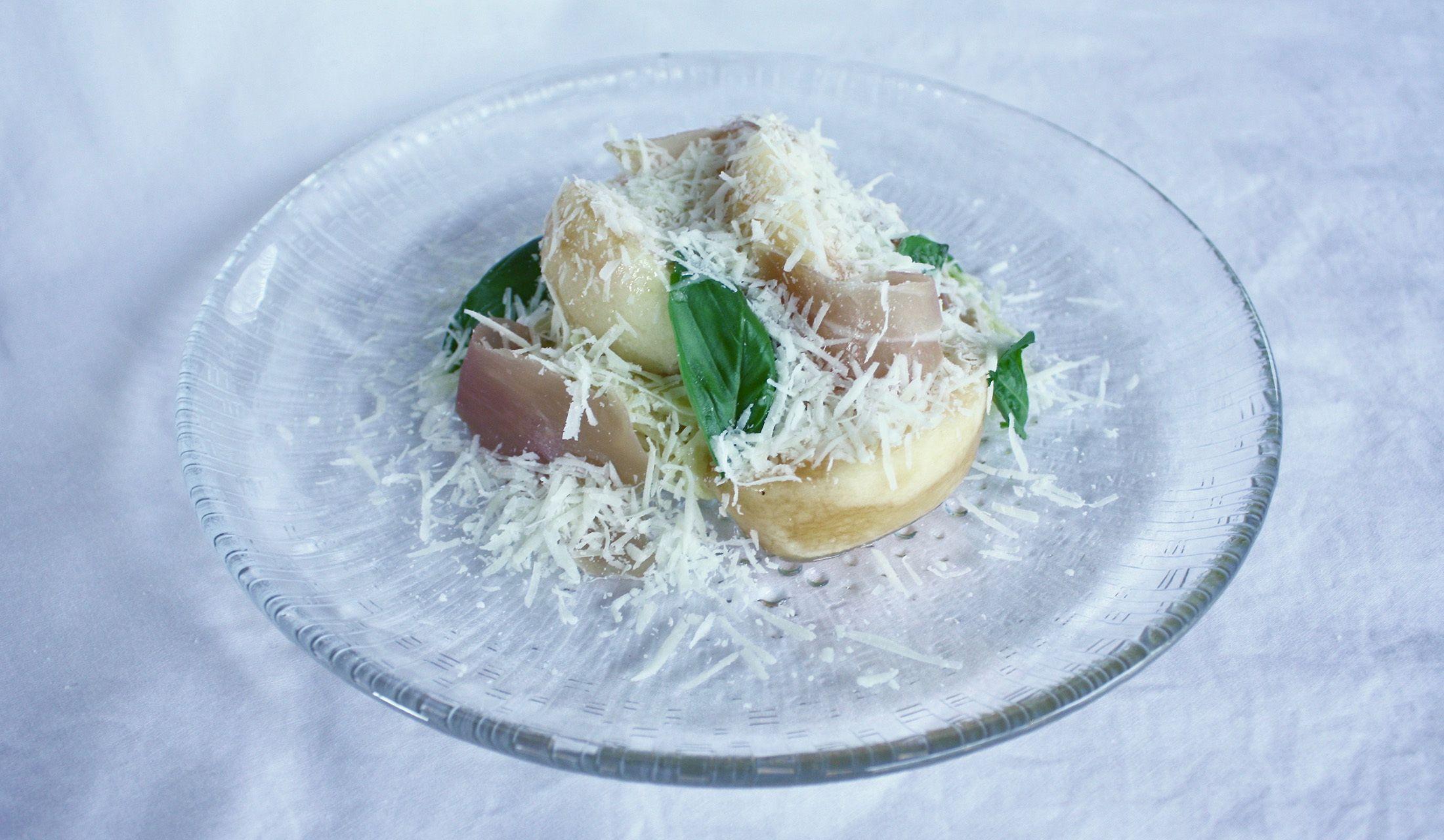 【レシピ】桃と生ハムの冷製パスタ