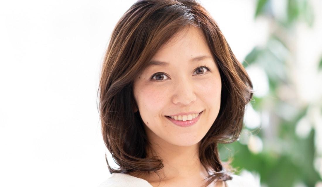 ACQUA aoyamaの小室里奈さんが手がけたミディアムヘア