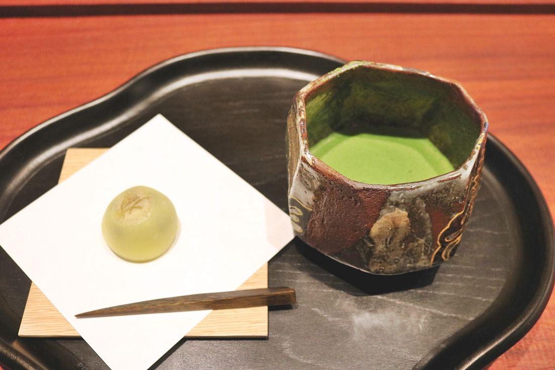 お茶を通しておもてなしの力量を上げる「稽古」心に閑を持つ「喫茶」茶道具販売の「見世」が楽しめる、茶論日本橋店がオープン